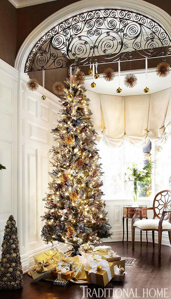 Decorating christmas trees traditional home for Traditional home decor