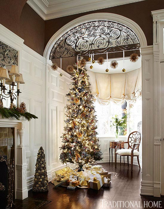 Elegant Chicago Holiday Home Traditional Home