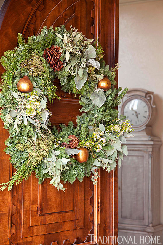 Decorating: Holiday Wreaths | Traditional Home