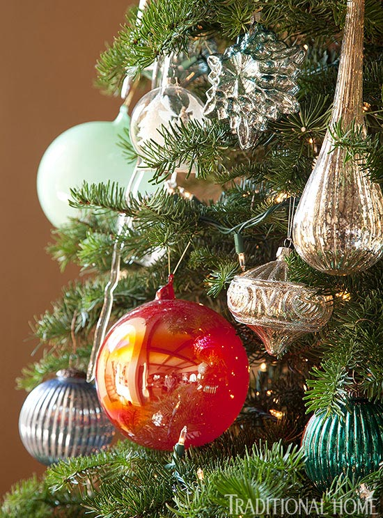 Decorating holiday ornaments traditional home