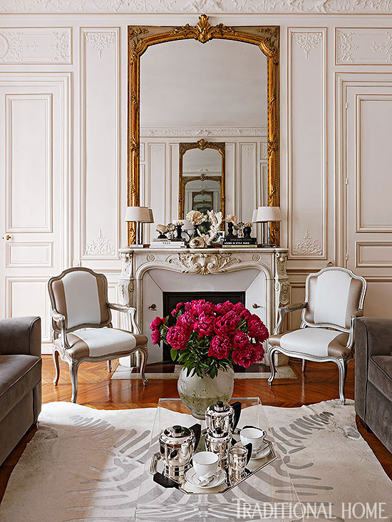 Colorful and romantic paris apartment traditional home for Traditional home decor