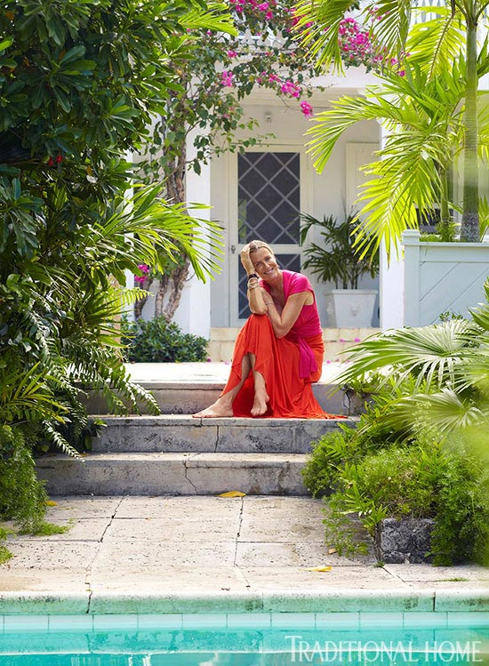 Model designer india hicks home in the bahamas for Indian home garden design