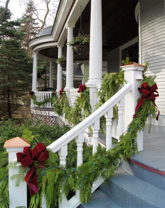 Holiday Outdoor Decorating Tips From Mariani Landscape