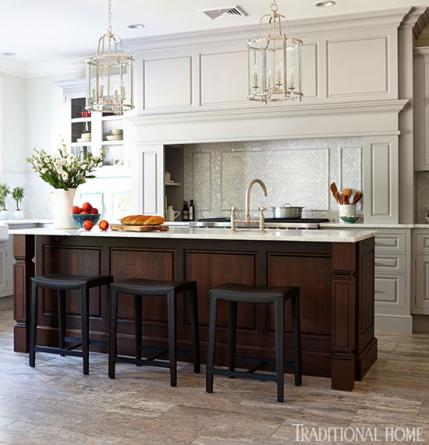 14 Traditional Style Home Decor Ideas That Are Still Cool: Organized, Efficient Kitchen With Cool And Classic Styling