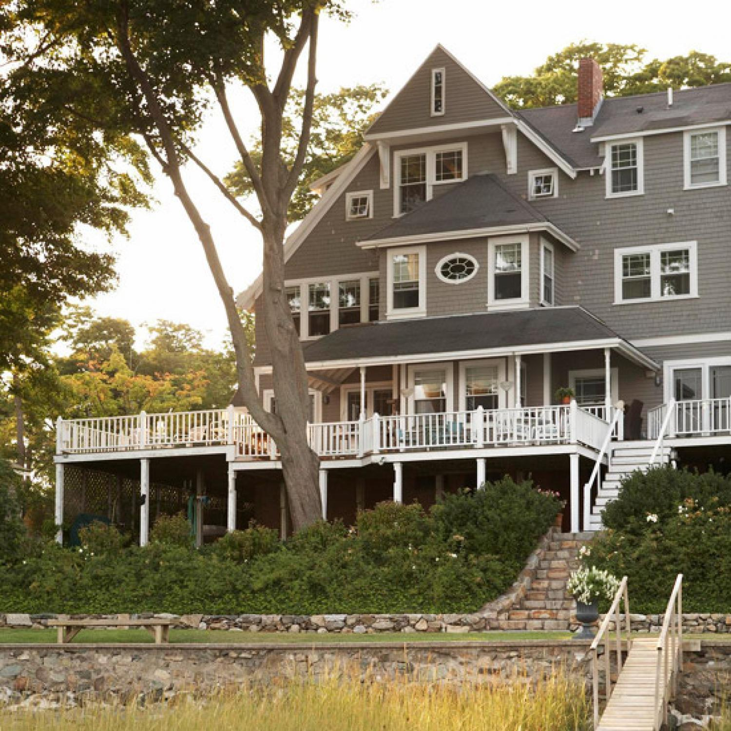 Get the look shingle style traditional home for Classic house builders