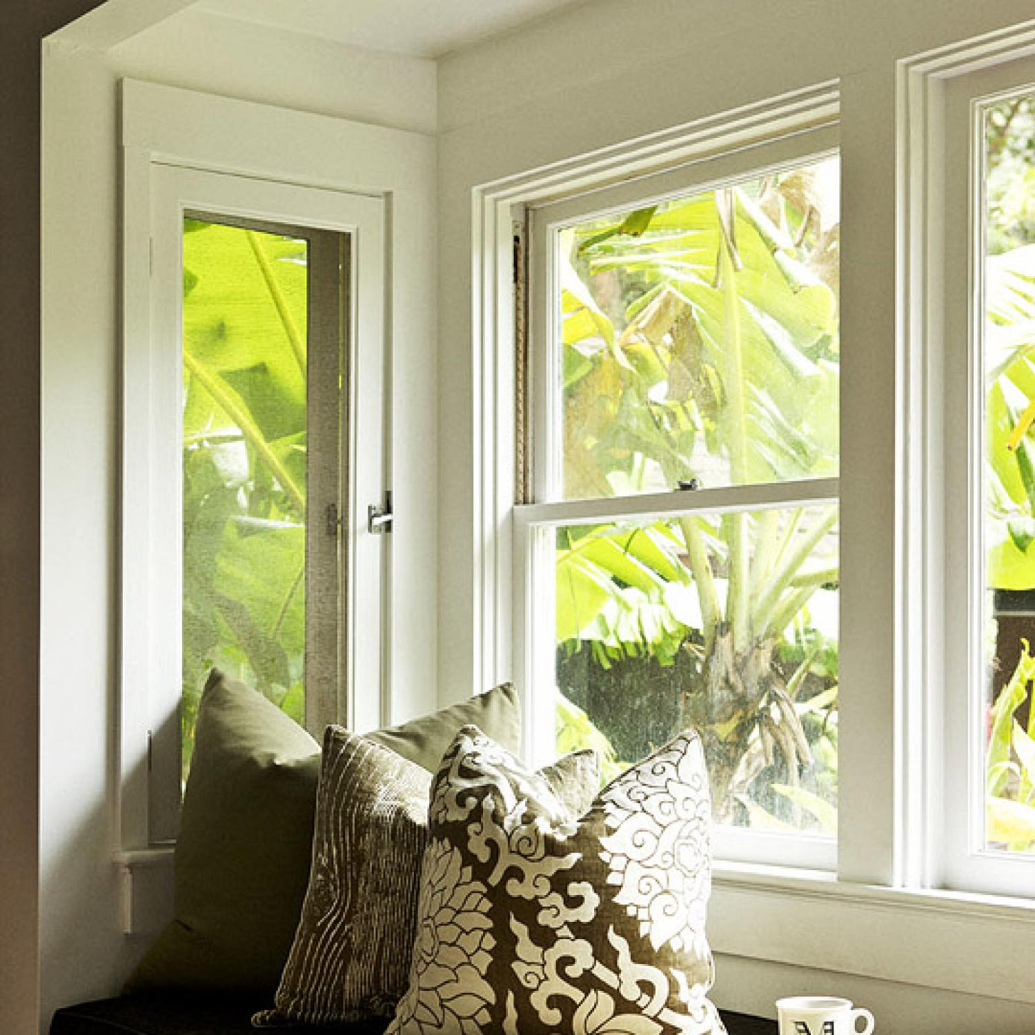 Home Design Ideas Videos: Decorating Ideas: 15 Window Seats