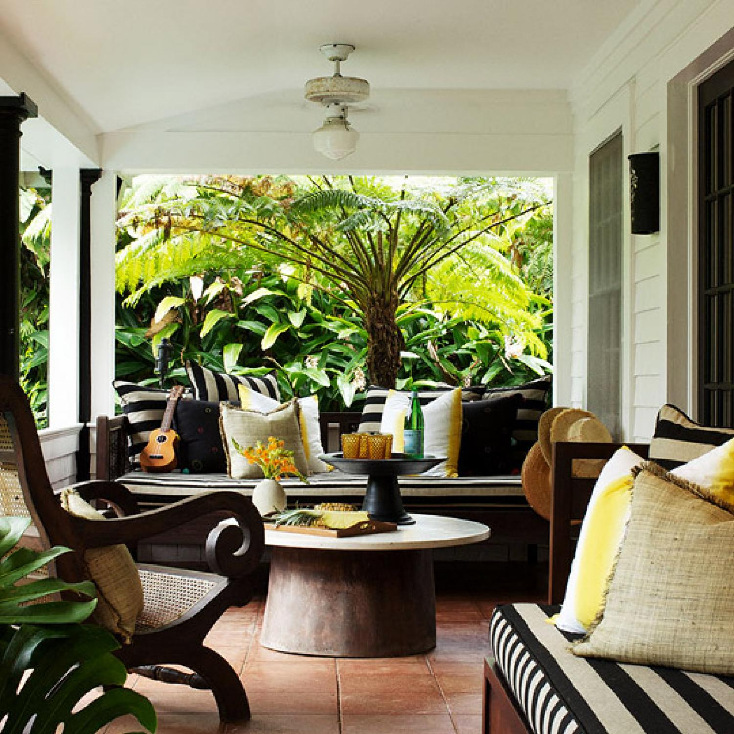 Home Design Decorating Ideas: Tropical Traditional Home