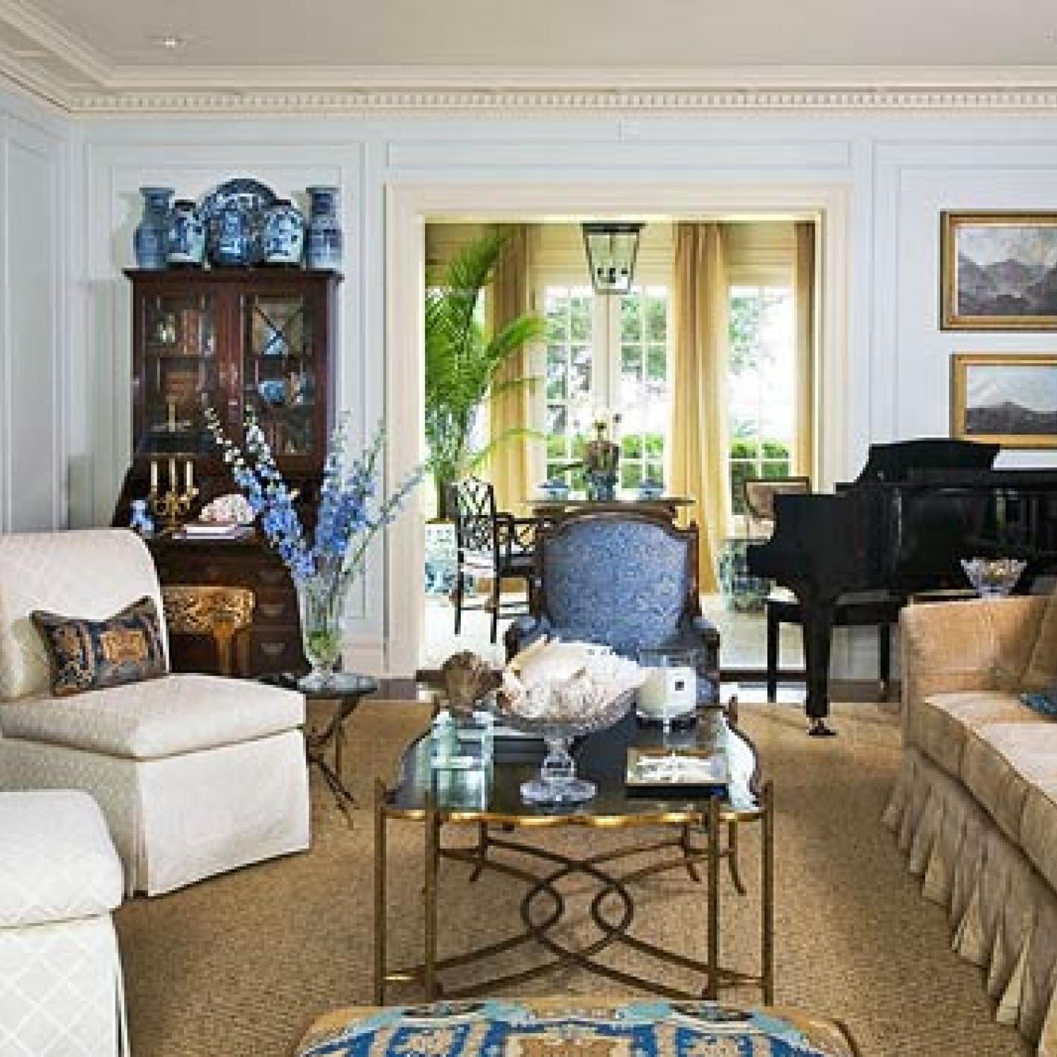 Traditional Home Interiors: Pretty Color For An Architectural Classic