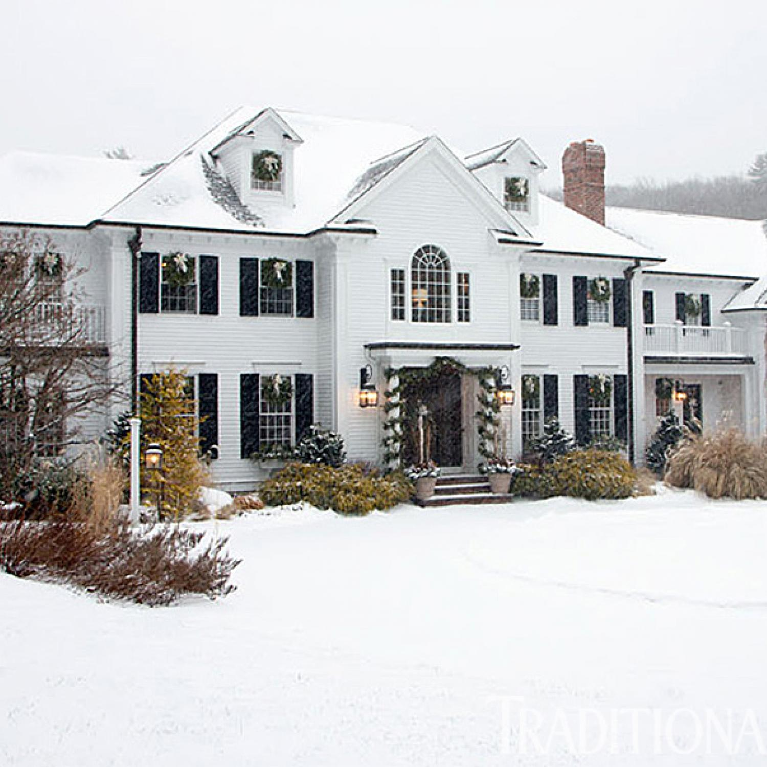 Happy holidays in a cheerful new england home for Newengland homes