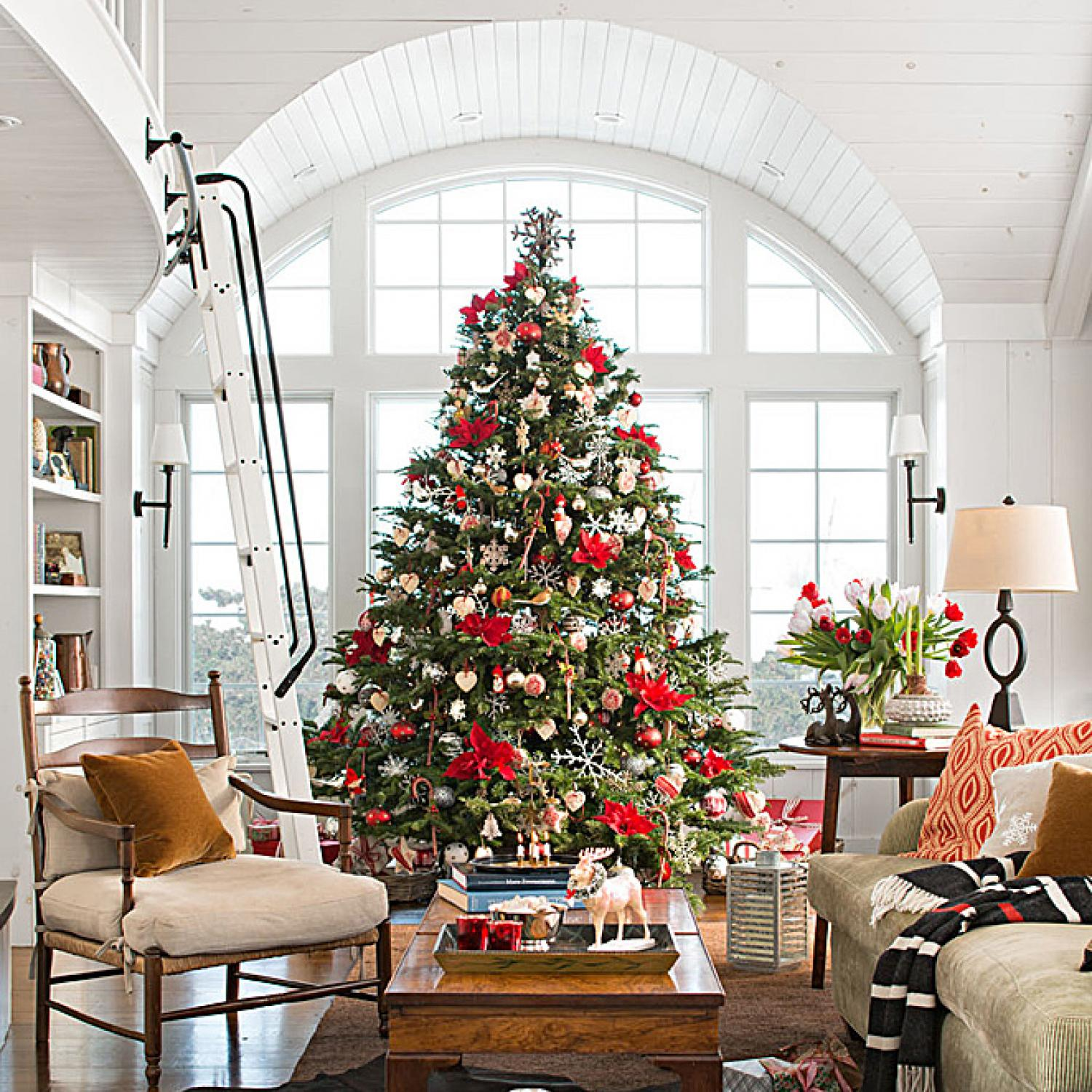 Snowy vermont home ready for christmas traditional home for Traditional home decor