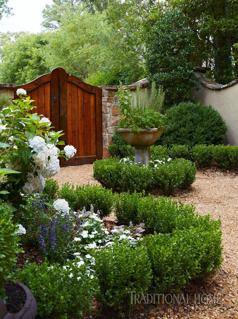 an english garden in alabama traditional home. Black Bedroom Furniture Sets. Home Design Ideas