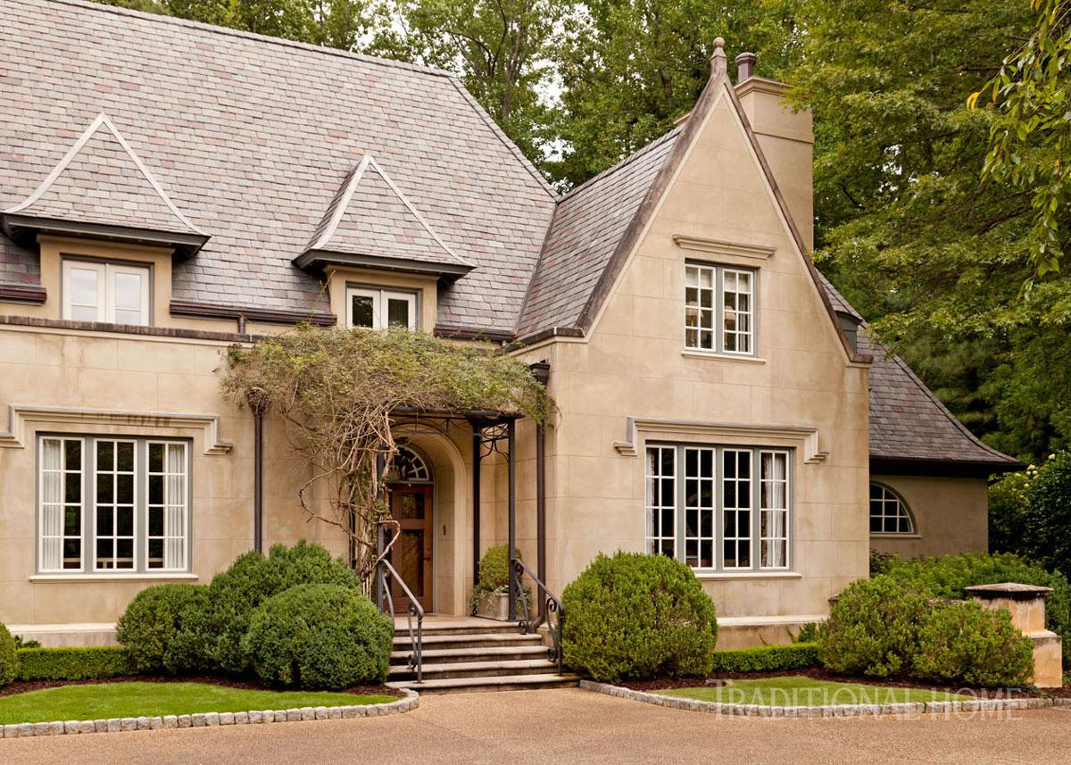 Elegant atlanta home with a quiet palette traditional home for Tradition home