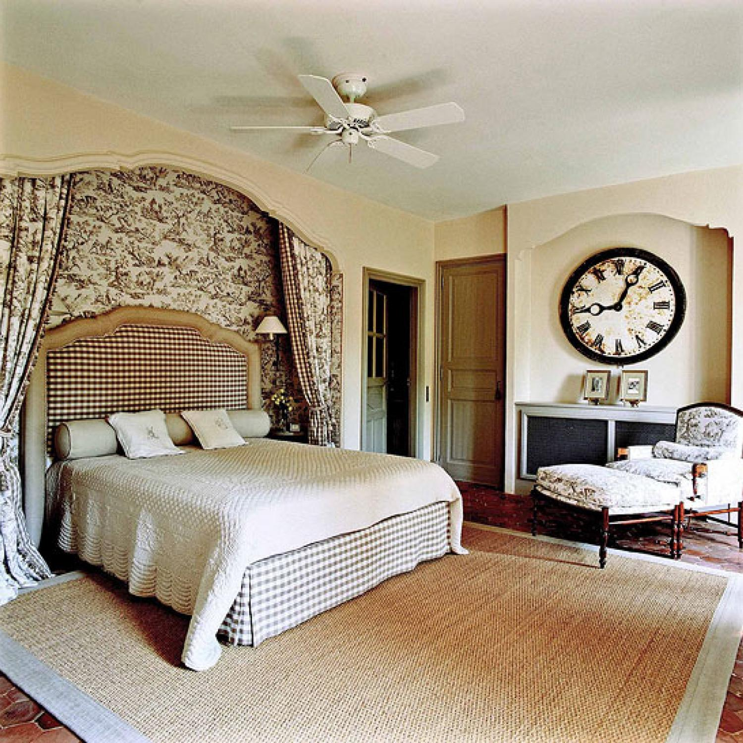 Bedroom decorating ideas totally toile traditional home for Bed decoration