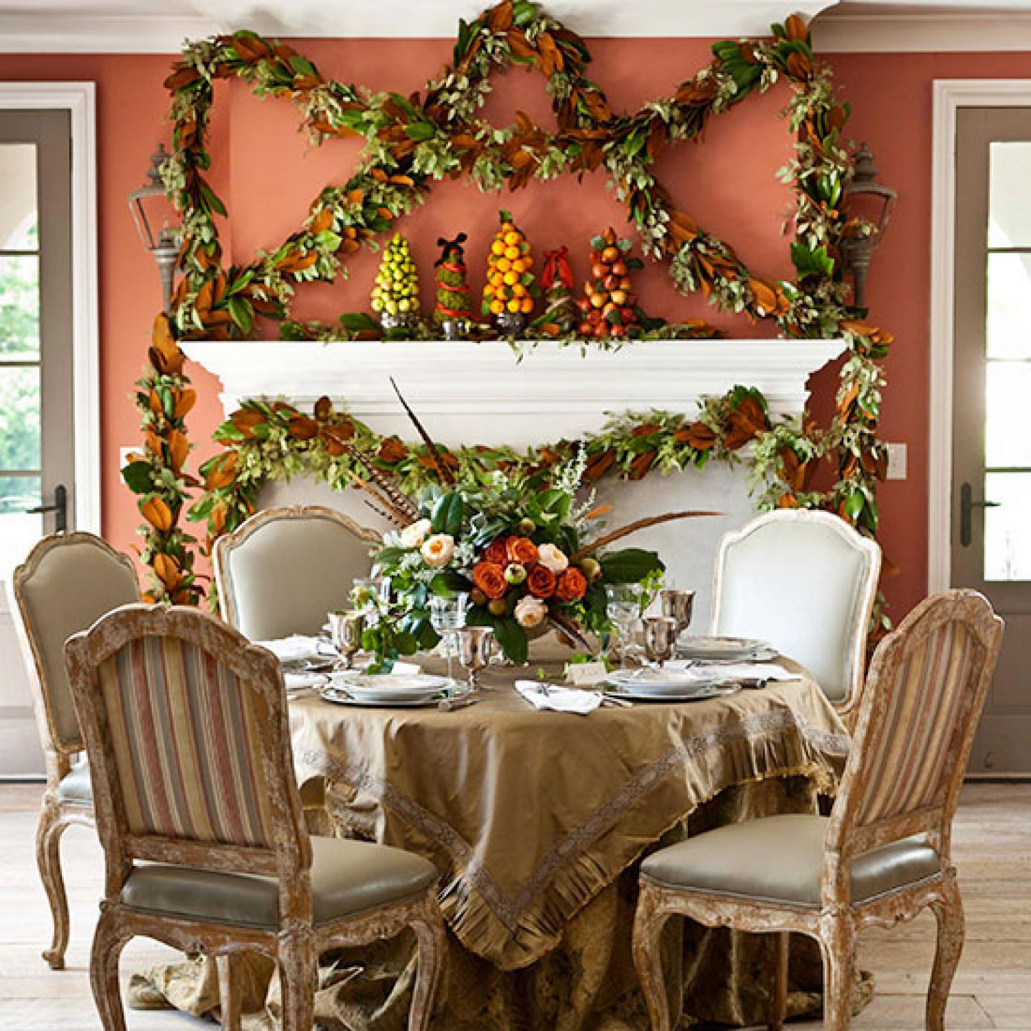 Traditional Home Interiors: Decorating: Holiday Mantels