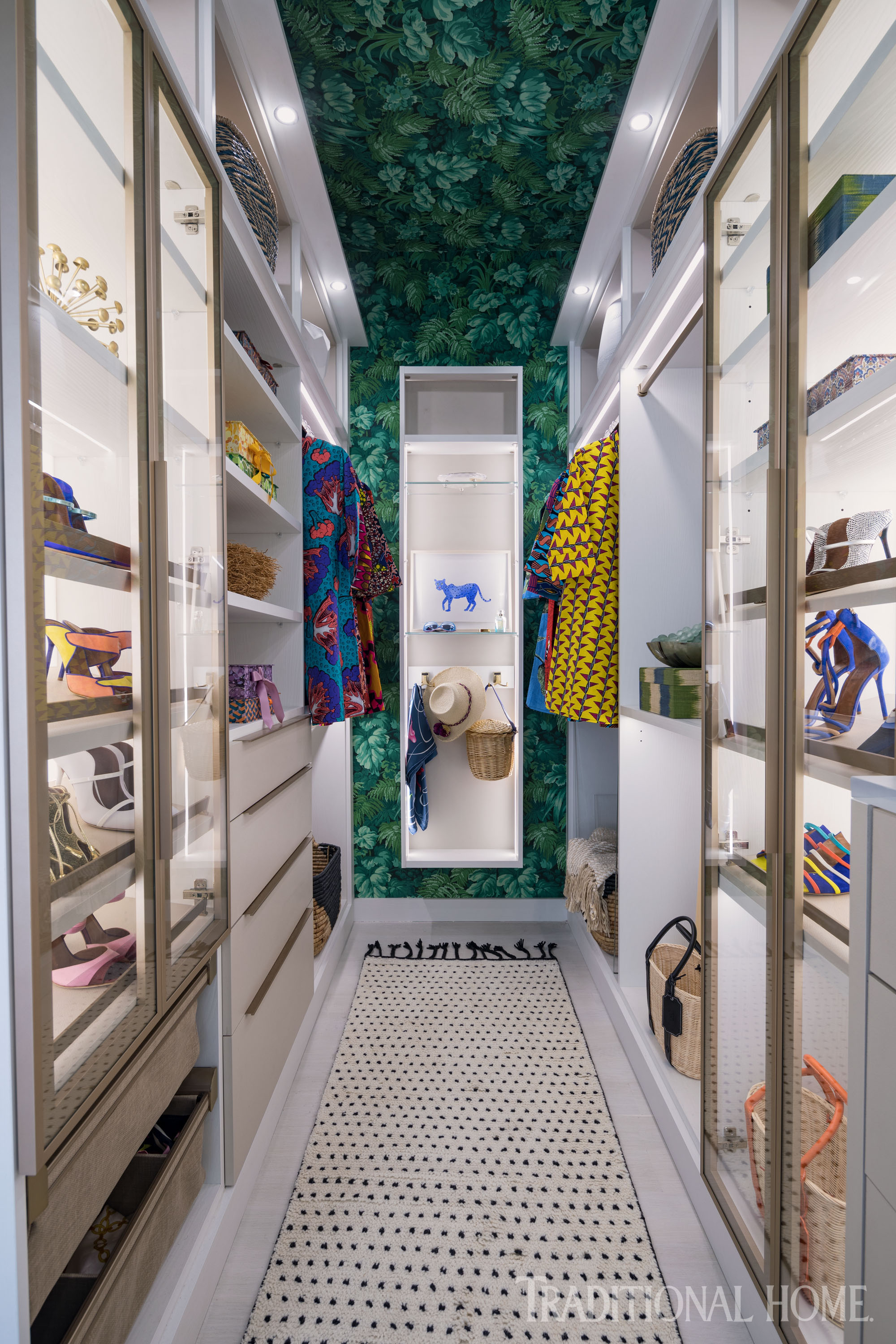7 Walk In Closets That Wow Traditional Home