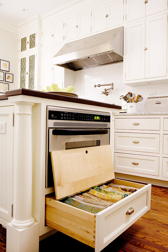 Keep Kitchen Drawers In Perimeter Cabinets Free For Holding Utensils And Gadgets You Use Every Day A Deep Island Drawer Works Well Storing Linens