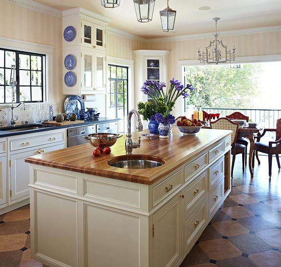 traditional kitchens with islands stylish islands for traditional kitchens traditional home 4116