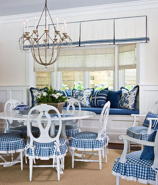 Comfy Dining Area In Blue And White Patterns