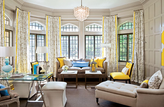 Living Room In Gray And Yellow